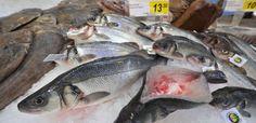 86% des poissons vendus en supermarché sont issus de la surpêche, dénonce UFC-Que Choisir Grande Distribution, Organic Recipes, Ufc, Fish, Natural Kitchen, Organic Cooking, Politics, Pisces, Organic Dinner Recipes