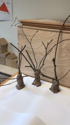 Herfstboom klei en takjes uit het bos