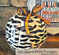 3 Easy DIY Black and White Pumpkin Decor Ideas