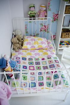 Kids room from Craft & Creativity. Love it!