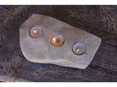Kamenný svícen