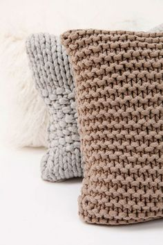 Knit pillow home