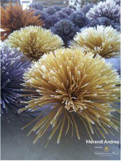 Crepe Paper Flowers in Bologna (Italy) / Fiori in carta crespa per un negozio di Bologna - Artist/Artista: Andrea Merendi - Paper/Carta: Cartotecnica Rossi