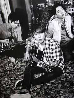 CNBLUE Live Booklet   cr: 蓝色大爆炸