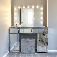Thank you so much @thedipplehomediaries for featuring our Scarlett Hollywood Mirror | Vanity Mirror with Lights | Illuminated Makeup Mirror | Light Up Makeup Mirror | Hollywood Mirrors #hollywood #hollywoodmirror #hollywoodmirrors #dressingtable #dressingroom #vanitygoals #vanitymirror #mua #makeup #makeuptips #makeupartist #makeupmirror #beauty #beautytip #beautyblogger #mirror #hollywoodmirrorsofficial