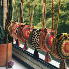 Boho style bags, bohemian style bag Source by mookyboutique boho Crochet Handbags, Crochet Purses, Mochila Crochet, Crochet Patron, Boho Bags, Tapestry Crochet, Knitted Bags, Handmade Bags, Diy Fashion