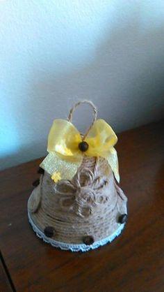 campana decorata con corda in juta