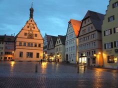 Rothenburg ob der Tauber, Germany. Photo by Eastlake Victorian.