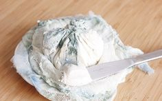 <p>Yes, this is real! This vegan version of blue cheese is made with cashews. </p>