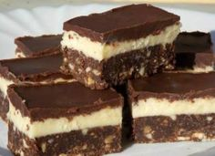 Nanaimo Bars, Delicious Desserts, Dessert Recipes, Yummy Food, Vegetarian Recipes Easy, Cooking Recipes, Canadian Food, Salty Snacks, Hungarian Recipes