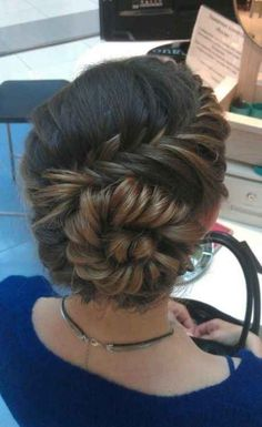 an amazing conch shell braid. Try an amazing conch shell braid. Up Hairstyles, Pretty Hairstyles, Braided Hairstyles, Braided Updo, Wedding Hairstyles, Wedding Updo, Prom Updo, Hairstyle Ideas, Perfect Hairstyle