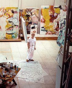 Willem de Kooning in his studio 1982