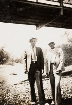 Bonnie Et Clyde, Bonnie And Clyde Photos, Bonnie Parker, Public Enemies, Mafia Gangster, Gangsters, Interesting History, Old West, Serial Killers