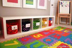 Caixas organizadoras são uma ótima opção na hora de montar um quarto de brincar