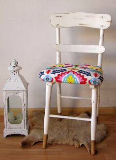 Best 35 Home Decor Ideas - Lovb Corner Chair, Home Economics, Hand Painted Furniture, Furniture Makeover, Chair Design, Decoration, Upholstery, Sweet Home, House Design