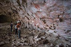 / Alero Charcamata /  Un abrigo rocoso con mas de 80 metros de boca y 40 metros de altura. Sus pinturas fueron realizadas hace más de 5000 años, aproximadamente.