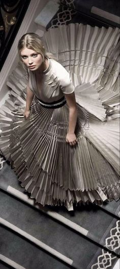 House Of Beauty, Stephane Rolland, French Fashion Designers, 50 Shades Of Grey, Looking For Women, Evening Gowns, Runway Fashion, Taupe, Luxury Fashion