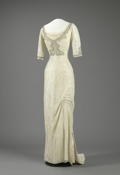 Digital Museum, Evening Dress, 1912-13, silk, satin, tulle, pearl embroidery of beads and stones - Beautifully simple and elegant