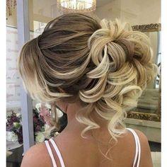 New wedding hairstyles curly updo hairdos Ideas Wedding Hairstyles For Long Hair, Wedding Hair And Makeup, Bride Hairstyles, Hair Makeup, Hair Wedding, Easy Hairstyles, Hairstyle Wedding, Hairstyles 2018, Elegant Hairstyles