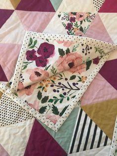 Sewing Projects For Children Bright Floral Triangle Quilt Sewing Hacks, Sewing Crafts, Sewing Tips, Sewing Tutorials, Sewing Patterns Free, Quilt Patterns, Whole Cloth Quilts, Sewing Projects For Beginners, Modern Sewing Projects