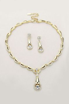 Madeline Necklace in Gold
