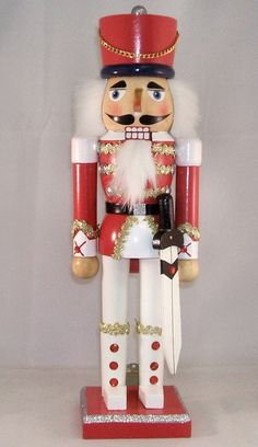 Soldier Christmas Nutcracker I love nutcrackers! =)