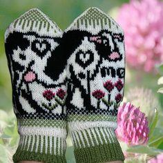 Ravelry: Cow mittens pattern by Jorid Linvik Cow Pattern, Mittens Pattern, Knit Mittens, Double Knitting, Hand Knitting, Knitting Hats, Knitting Projects, Crochet Projects, Knitting Ideas