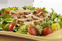 Enjoy a refreshing Grilled Chicken Parmesan Salad. Made with shaved Parmesan & a homemade vinaigrette, this Grilled Chicken Parmesan Salad is delish. Kraft Foods, Kraft Recipes, Vinaigrette, Grilled Chicken Parmesan, Easy Summer Dinners, Salad Recipes, Healthy Recipes, Healthy Meals, Easy Recipes