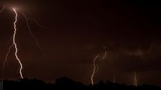 Tormenta eléctrica   by V. Shiguiyama