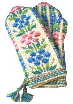 Tarvikepaketti: Kainuun kukkalapaset, pastelli this looks like Finnish to me. Knitted Mittens Pattern, Crochet Mittens, Knit Or Crochet, Knitting Stitches, Knitting Socks, Hand Knitting, Knitting Patterns, Wrist Warmers, Hand Warmers