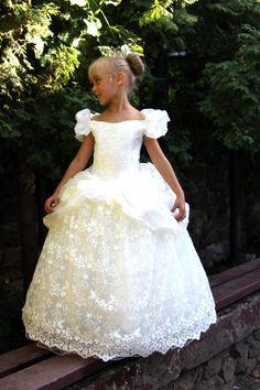 Lace Flower Girls Ivory Dress Birthday Wedding by Butterflydressua