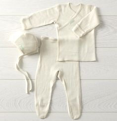 Beautiful silk wool set for newborn  84chf