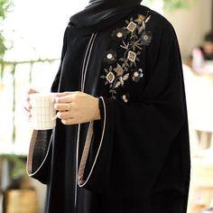 Dm or what's app 08032605858 naijaankaradress abayamoder Niqab Fashion, Muslim Fashion, Fashion Outfits, Abaya Designs Dubai, Burqa Designs, Abaya Pattern, Modern Abaya, Hijab Style, Abaya Style