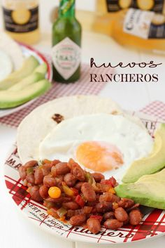 Huevos rancheros {by Paula, Con las Zarpas en la Masa} Huevos Fritos, Huevos Rancheros, Breakfast, Food, Egg Recipes, Cookers, Morning Coffee, Essen, Meals