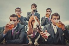 Groomsmen play an important part in your wedding. They are among the most important people you will have at the wedding. Your groomsmen are your pals and brothers. In fact, it isn't difficult… Wedding News, Dog Wedding, Wedding Poses, Trendy Wedding, Dream Wedding, Wedding Day, Wedding Stills, Garden Wedding, Backdrop Wedding