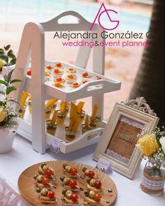 Presentamos las pasabocas de sal de una forma muy especial para todos tus eventos. Cotiza con nosotros Cel/Wap Table Decorations, Wedding, Instagram, Home Decor, Amor, Diy Wedding Decorations, Dream Wedding, Wedding Decoration, Shapes