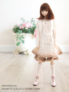 "Momoko ""Fluffy First Snow"" by spring summer, via Flickr"