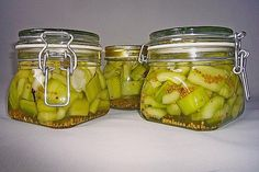 Sweet and sour mustard cucumbers from rose collector Chef Recipes, Vegan Recipes, Fermented Foods, Pickles, Cucumber, Zucchini, Food And Drink, Health, Sweet