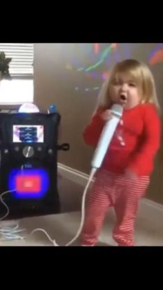 Funny Videos Clean, Cute Funny Baby Videos, Crazy Funny Videos, Funny Videos For Kids, Cute Couple Videos, Funny Babies, Really Funny Joke, Funny Vidos, Funny Captions