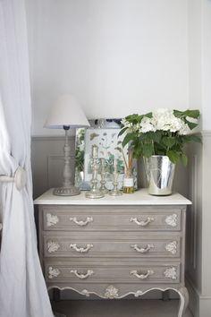 French Chest, White Hydrangea//