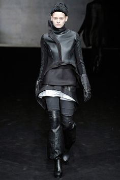 Rick Owens Fall 2009 Ready-to-Wear Collection Photos - Vogue