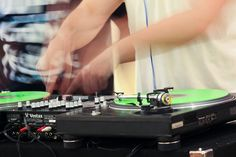This art slam got teens scratching and learning how to mix their own tunes.