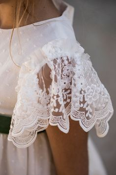 Navascués – Vestidos Novia Navascués – Comunión Little Girl Dresses, Flower Girl Dresses, Girls Communion Dresses, Girl Outfits, Fashion Outfits, Altered Couture, Little Fashionista, Refashion, Diy Clothes