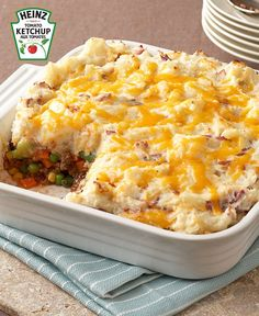 Then our Updated Shepherd's Pie is a must-try. We've added a few extras to the classic shepherd's pie recipe to make it even better! Kraft Recipes, Fall Recipes, Beef Recipes, Supper Ideas, Dinner Ideas, Sheppards Pie Recipe, Sheppard Pie, Mets, What's Cooking