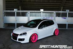 volkswagen gti turbo   Volkswagen Golf GTI Turbo rebaixado + rodas rosa aro 20