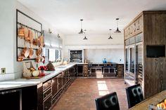 Key Design Takeaways from Celebrity Kitchens Celebrity Kitchens, Celebrity Houses, Ellen Pompeo, Ellen Degeneres, Neil Patrick Harris, Nate Berkus, Stylish Kitchen, Kelly Wearstler, Los Angeles Homes