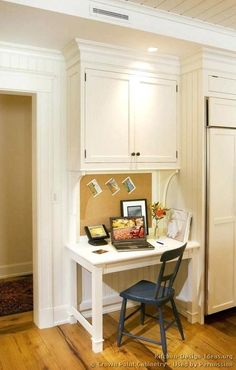 Kitchen corner built in desk areas 63 Ideas Kitchen Office Nook, Kitchen Desk Organization, Kitchen Desk Areas, Kitchen Work Station, Kitchen Desks, Kitchen Corner, Kitchen Redo, New Kitchen, Compact Kitchen