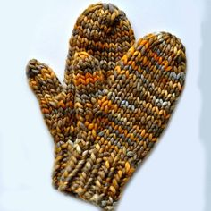 Quick mittens to knit in malabrigo rasta.: Quick mittens to knit in malabrigo rasta. Knitted Mittens Pattern, Crochet Mittens, Easy Knitting Patterns, Crochet Gloves, Knitting Designs, Knitting Projects, Knitting Ideas, Knitted Dishcloths, Fingerless Mittens