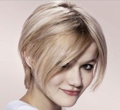 pretty-hairstyles-with-center-parted-bangs-for-short-straight-thin-and-fine-hair-for-school.jpg (500×459)