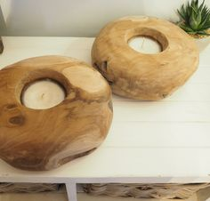 Made with beautiful natural teak wood and sanded to give a very smooth finish, this round candle bowl makes a wonderful centrepiece and feature for the home.  You will get many hours of romantic mood lighting from this candle holder.  Each item will vary slightly in their shade, markings and patterns in the wood.